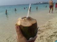 Cocoloco - drink tipico (alcoolico). Delícia!