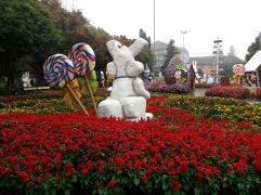 Praça de Nova Petrópolis com decoração de Páscoa