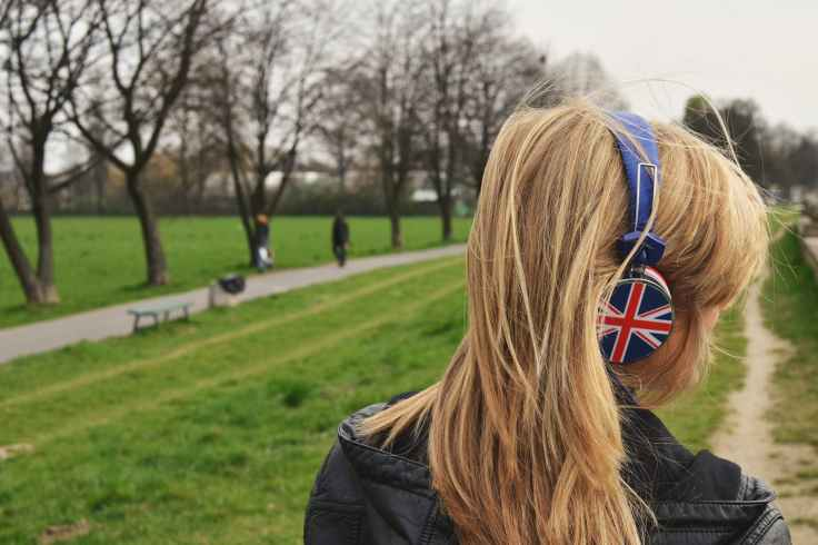 audio england great britain headphone